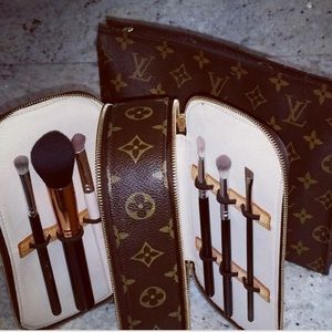 💄 Louis Vuitton Trousse Blush GM